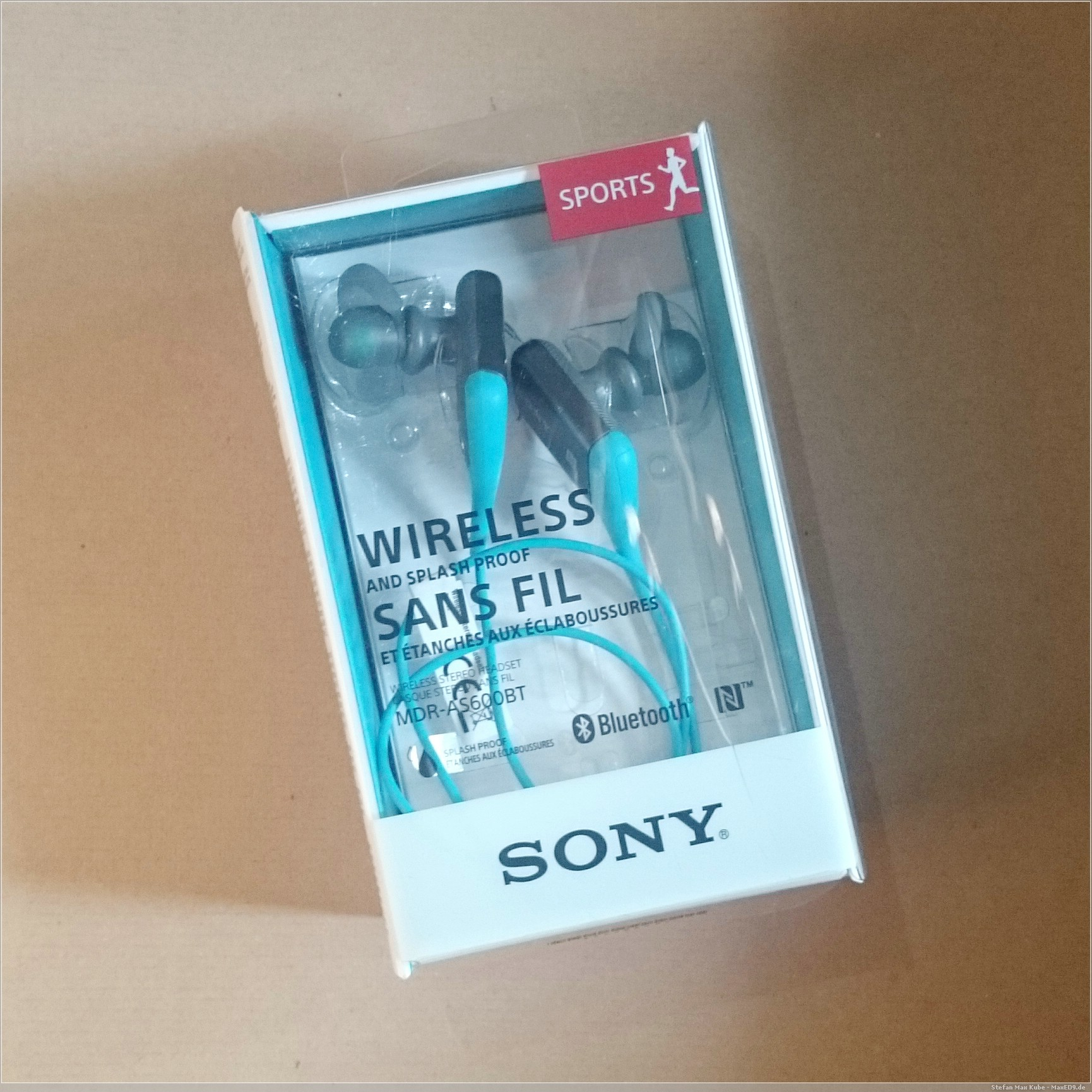 Sony MDR-AS600BT