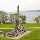 Steinschleuder, Urquhart Castle am Loch Ness