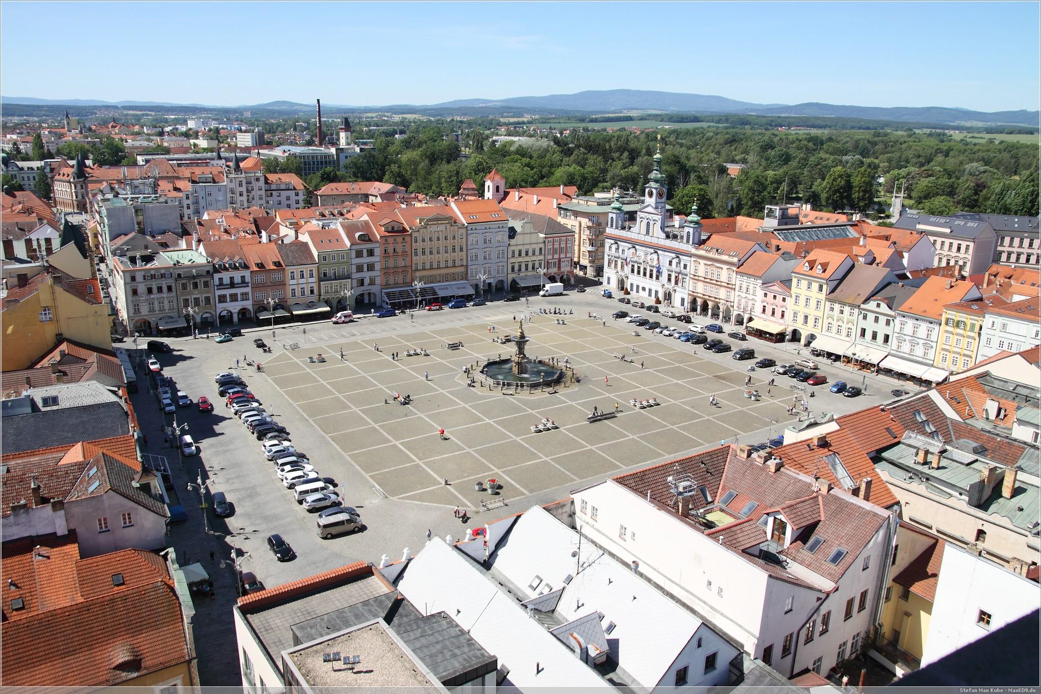 Blick zum Marktplatz mit Samsonbrunnen in Budweis