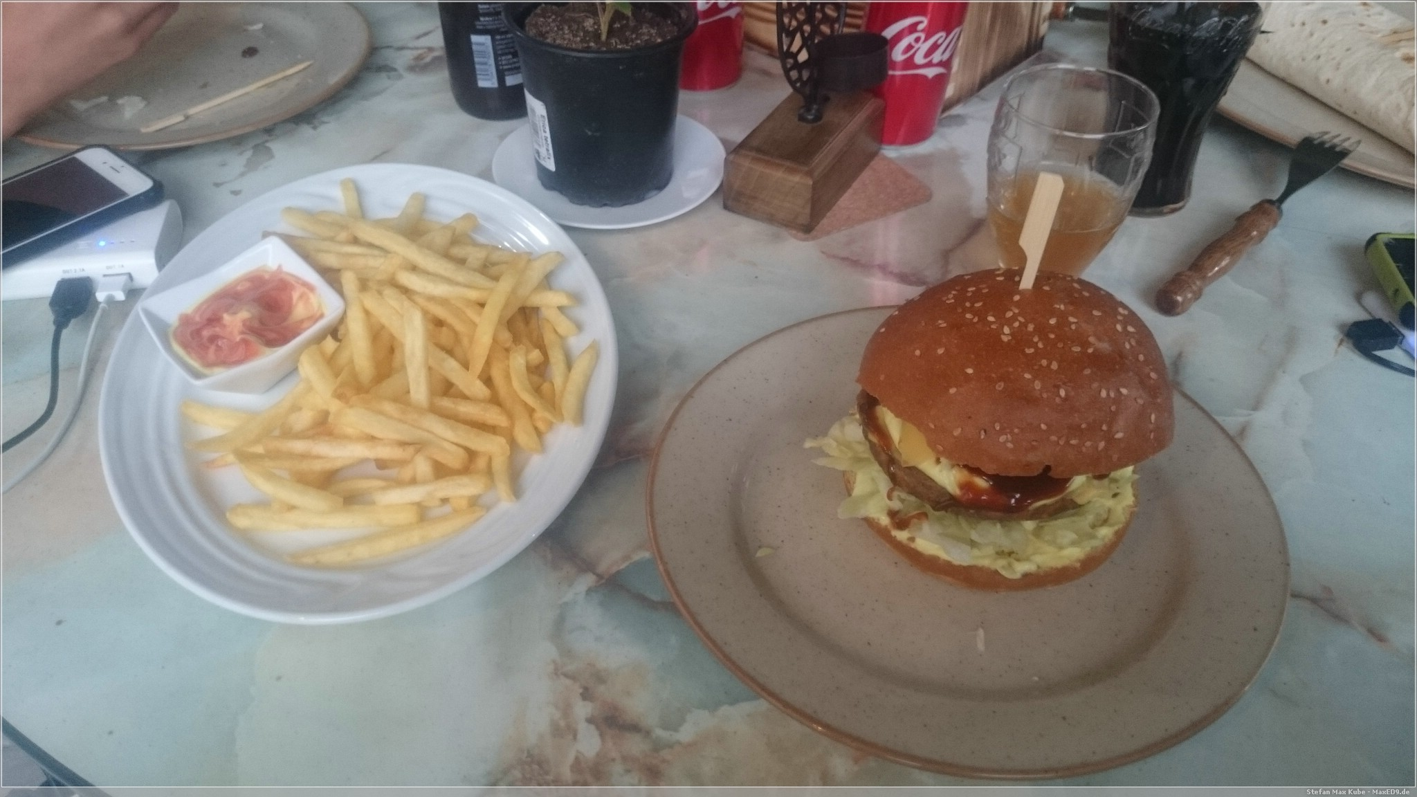 Burger, Pommes ..