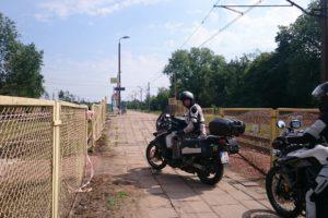 am Bahnübergang