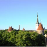 Blick über Tallinn am Abend