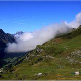 Wolken drücken ins Tal