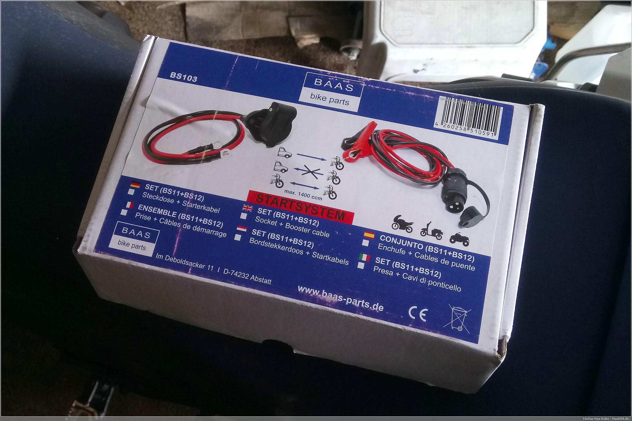 zugänglich: Ladeanschluss an der Honda CRF1000L Africa Twin
