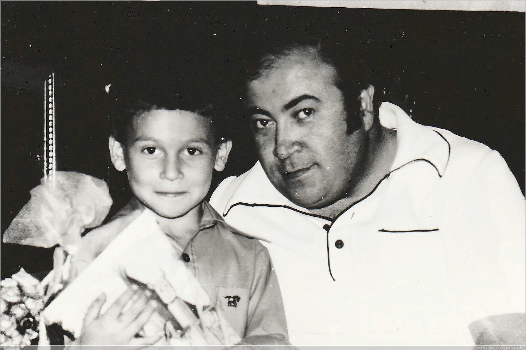 Mein Vater und ich am Tage meiner Einschulung
